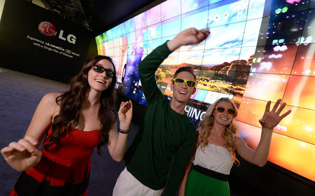 LG at CES 2014: webOS TV, 105-inch curved 21:9 TV, Lifeband Touch and more
