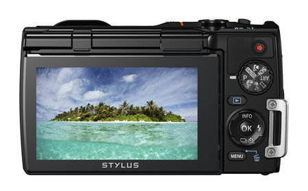 Olympus Stylus Tough TG-850 is the first waterproof compact camera to add a tilt-angle screen - photo 4
