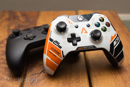 Xbox One Titanfall controller pictures and hands-on - photo 2