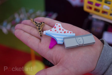 Protect your home button: Bandai Mobilepants are very, very bizarre (video) - photo 2