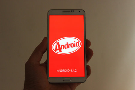 Android 4.4.2 KitKat arrives on Samsung Galaxy S4 and Note 3 unlocked handsets in the UK