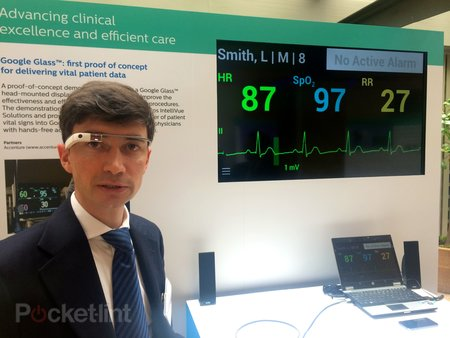 Philips Google Glass concept for doctors delivers  vital stats as they operate