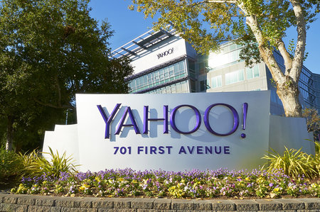 Yahoo looking to take on Netflix and Amazon by commissioning own online TV series