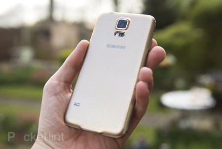 Samsung Galaxy S5 Copper Gold pictures and hands-on
