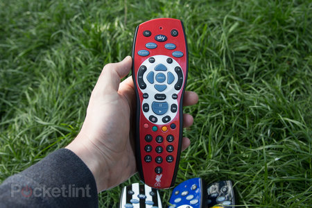Sky+ HD footy remotes pictures and hands-on: Liverpool, Chelsea, Man City - who will win the title? - photo 3
