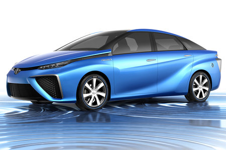 Toyota fuel cell cars will be on sale in Europe next year, 500 miles on a tank