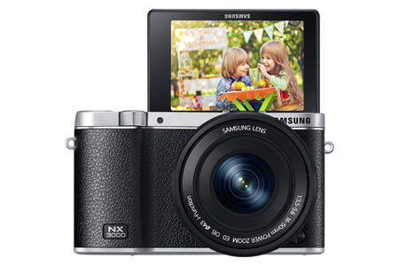 Samsung NX3000 compact system camera offers selfie mode for winkers