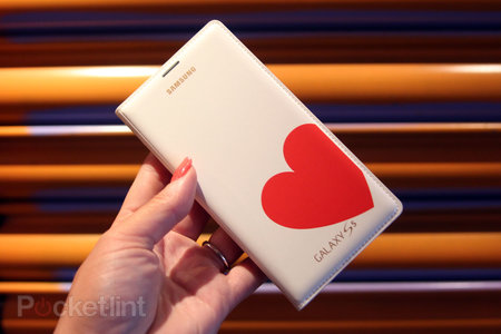 Hands-on: Samsung Galaxy S5 Moschino case and Nicholas Kirkwood case review - photo 1