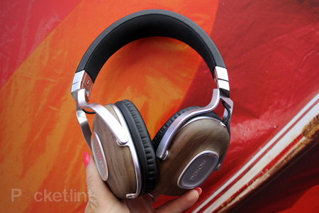 Denon Music Maniac headphones pictures and hands-on