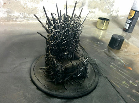 Game of phones: How to make this Iron Throne for your mobile