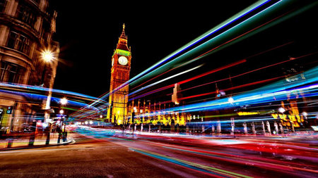 Download a film to your mobile in under a second using 5G, in London by 2020