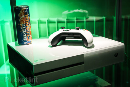 Sunset Overdrive white Xbox One and Call of Duty: Advanced Warfare limited edition Xbox One in the flesh - photo 1