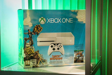 Sunset Overdrive white Xbox One and Call of Duty: Advanced Warfare limited edition Xbox One in the flesh - photo 7