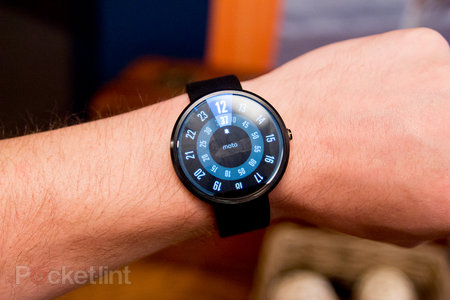 Moto 360 hands-on: The big round smartwatch