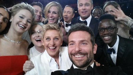 Ellen DeGeneres' Oscars selfie breaks retweet record, taken on a Samsung Galaxy Note 3