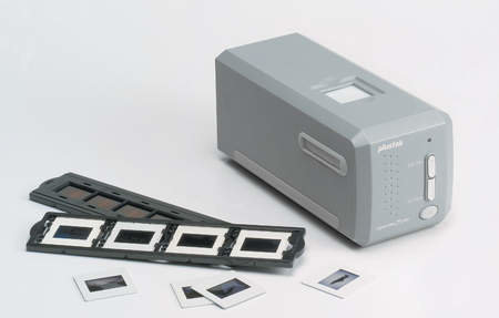 Plustek OpticFilm 7200i scanner