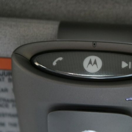 Motorola T505 Bluetooth In-Car Speaker and Digital FM Transmitter