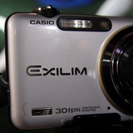 Casio EX-FC100 digital camera - First Look