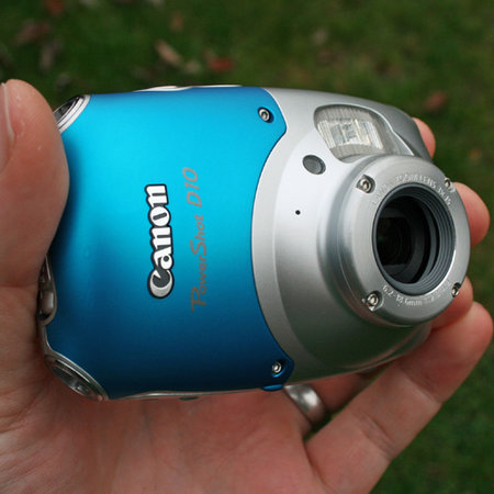 Canon PowerShot D10 digital camera  review