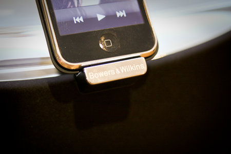 Bowers & Wilkins Zeppelin Mini iPod speaker
