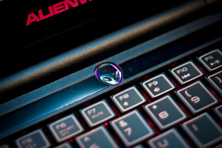 First Look: Alienware M11x