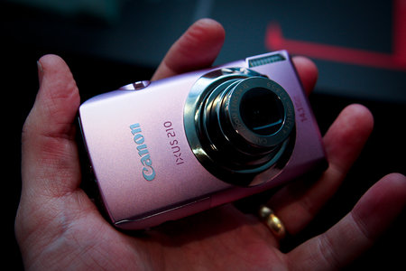 Canon IXUS 210 digital camera - First Look