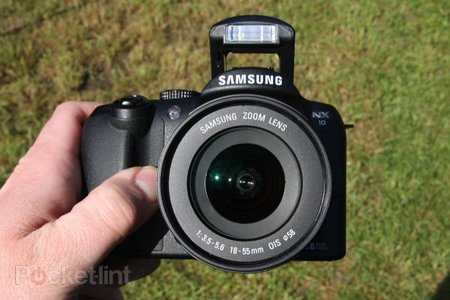 Samsung NX10 hybrid camera   review