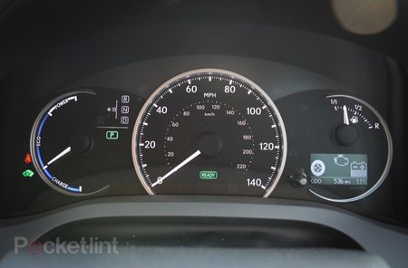 Lexus CT200h SE-I   review - photo 12