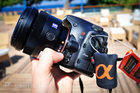 First Look: Sony Alpha SLT-A65  review