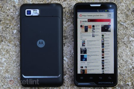 Motorola Motoluxe review - photo 2