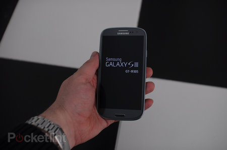 Samsung Galaxy S III LTE (GT-I9305) - photo 3