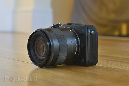 Canon EOS M - photo 2
