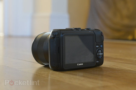 Canon EOS M - photo 3