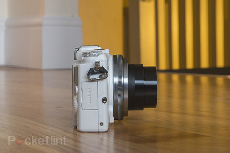 Olympus Stylus XZ-2 (white) review - photo 6