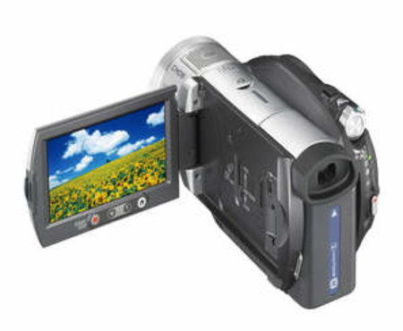 Sony rolls out two high definition Handycam camcorders