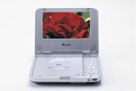 Mustek unveils MP70D and MP80D portable DVD players