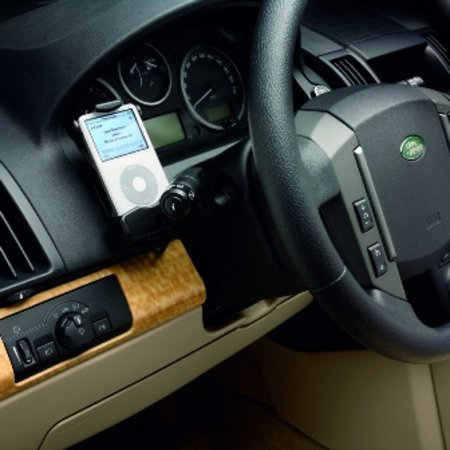 Freelander 2 gets iPod dock and more