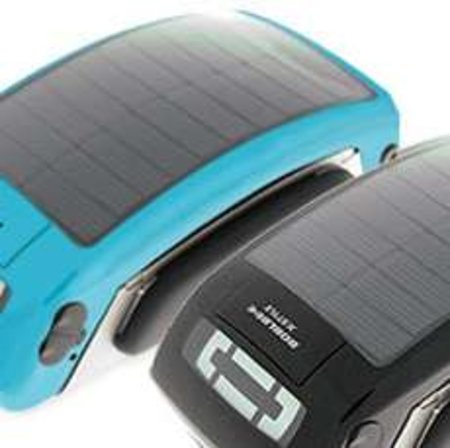 Boblbee iPod case doubles as handy solar charger