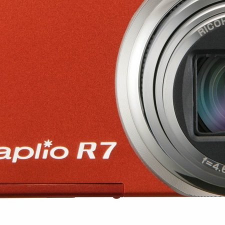 RICOH launches Caplio R7 digital camera