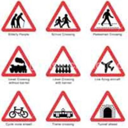 "Seven out of ten rural road signs ""unnecessary"""