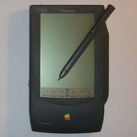 Apple planning to bring back the Newton - in a noughties style