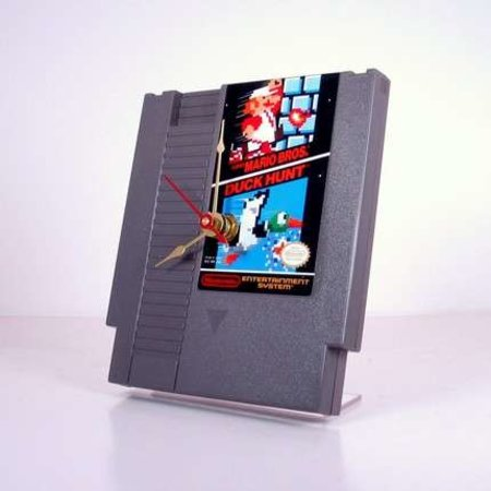 Super Mario / Duck Hunt NES game cartridge clock