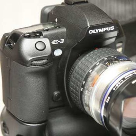 Olympus to launch new DSLR at midnight