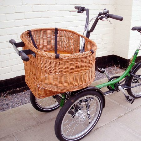 Feetz: bike, shopping trolley and child carriage launches in UK