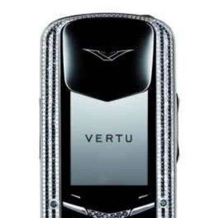 Vertu Signature goes black and white