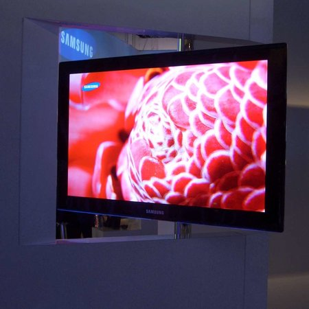 CES 2008: Samsung's 31-inch OLED television