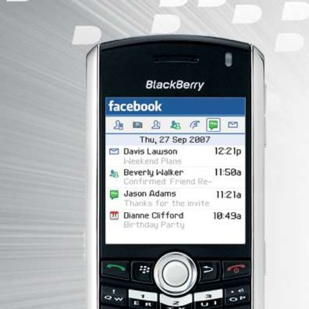 Number of Facebooking BlackBerry owners hits the million mark