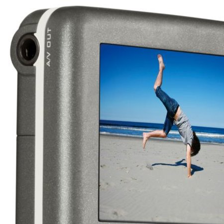 Creative Vado camcorder takes on the Flip
