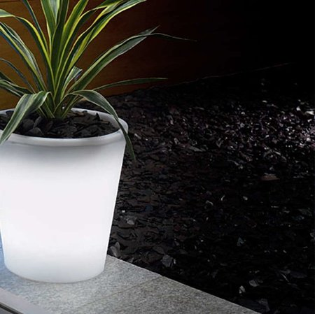 Solar power plant pot launches