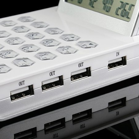 USB hub calculator launches